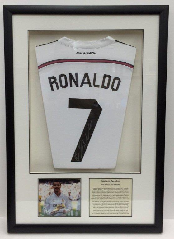 Framing Ronaldo signed shirt